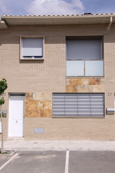 Viviendas unifamiliares en avenida de los descubrimientos for Fachadas casas unifamiliares